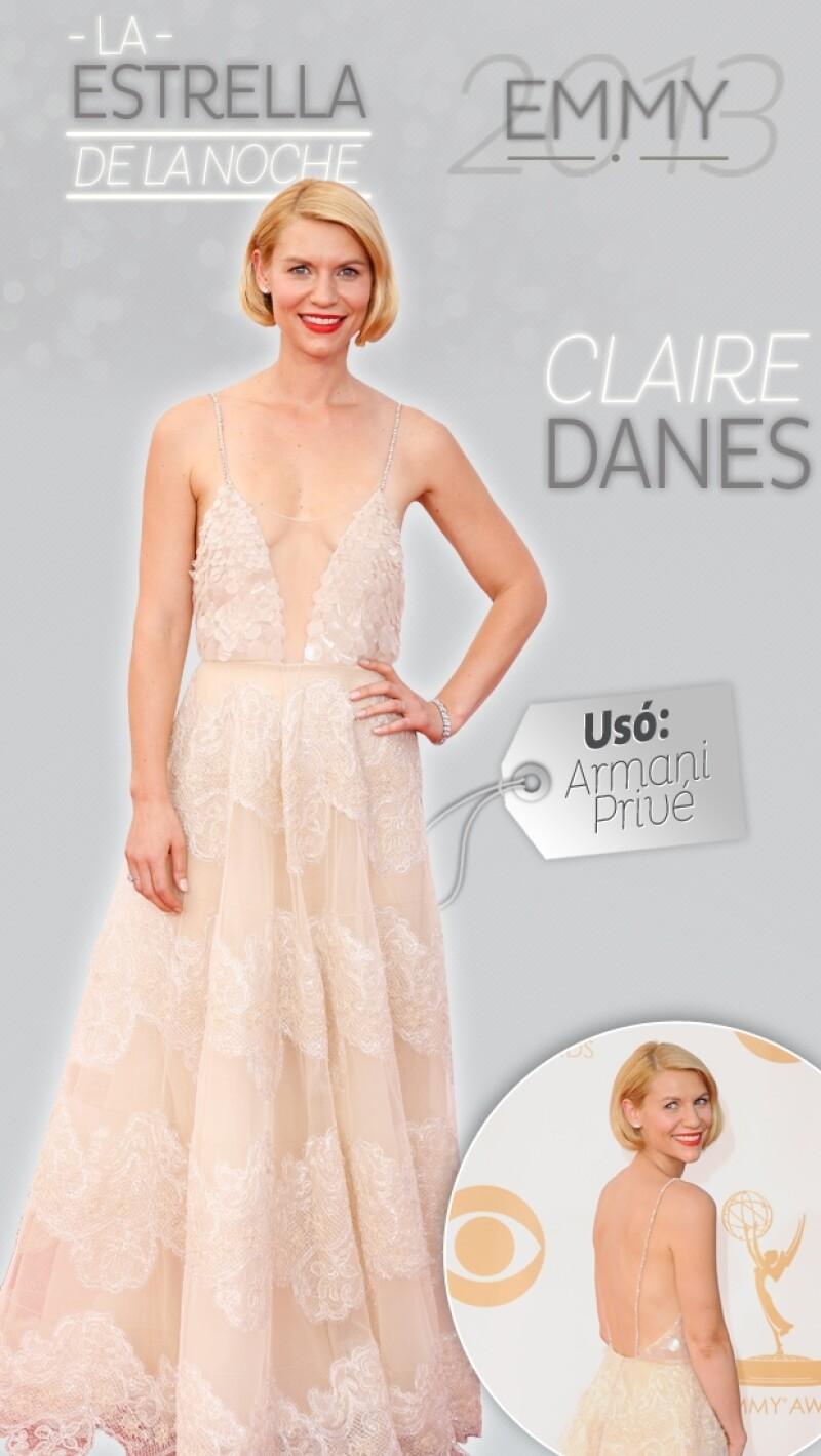 Además de sobresalir por ser una de las mejor vestidas de la noche, la actriz ganó por segundo año consecutivo la estatuilla por mejor actriz de drama.