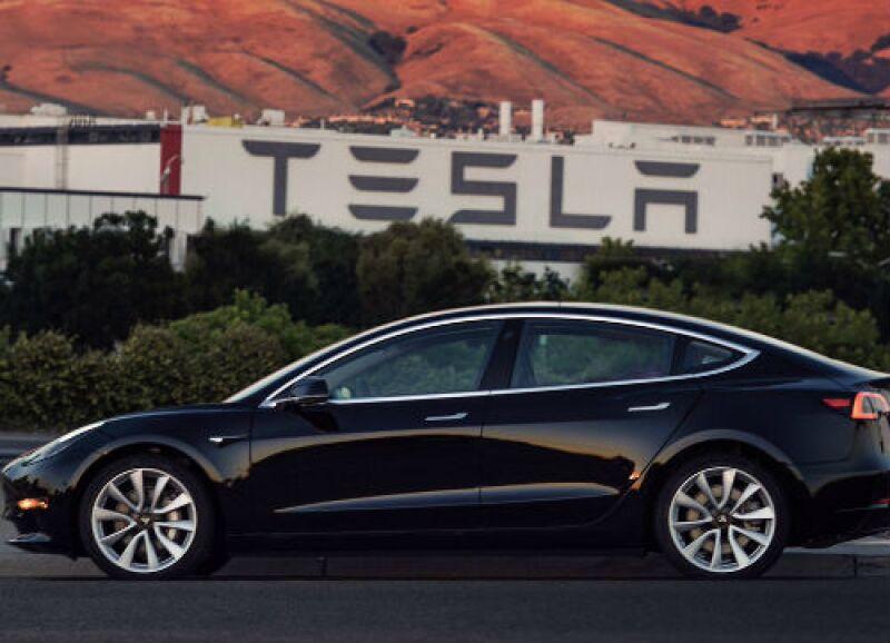 Tesla auto Model 3