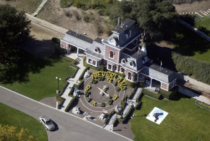 Neverland fue una de las más preciadas residencias del cantante, la cual tuvo que vender por problemas económicos.