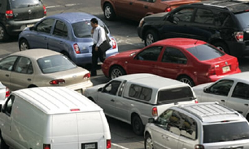 El nicho de mercado para los autos eléctricos son las ciudades con conflictos de tránsito.  (Foto: AP)