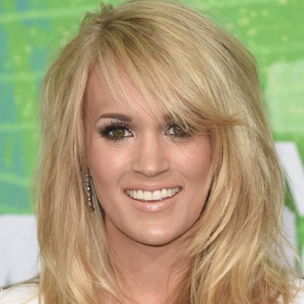 La cantante de country Carrie Underwood sin duda podría ser hermana de la joven actriz Emily Osment.