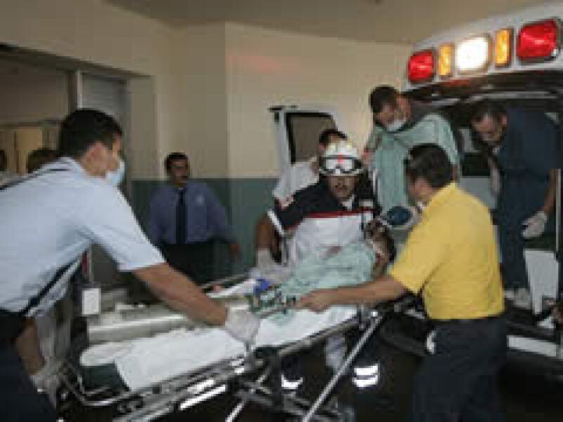Los menores fueron trasladados a hospitales especializados. (Foto: Reuters)