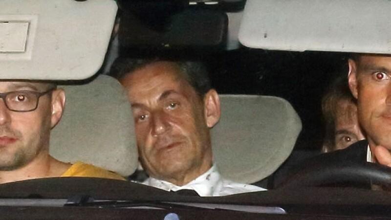 El expresidente de Francia Nicolas Sarkozy es trasladado por agentes policíacos a declarar por presunta corrupción