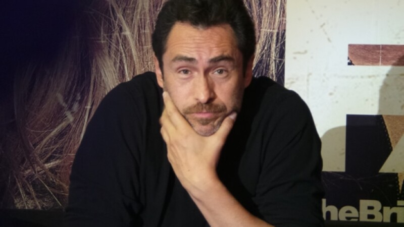 """El actor,  quien está de visita en México para la promoción de la serie """"The Bridge"""", dijo que Gala ya tiene dos años y está hermosa."""