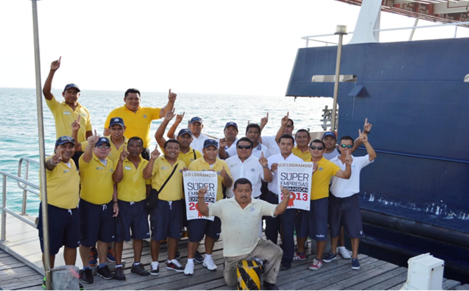 Grupo Dolphin Discovery festejó su posición número 22 en Súper Empresas 2013. La alineación de los esfuerzos hacia un rumbo fijado por su directiva los llevó hasta esa posición.