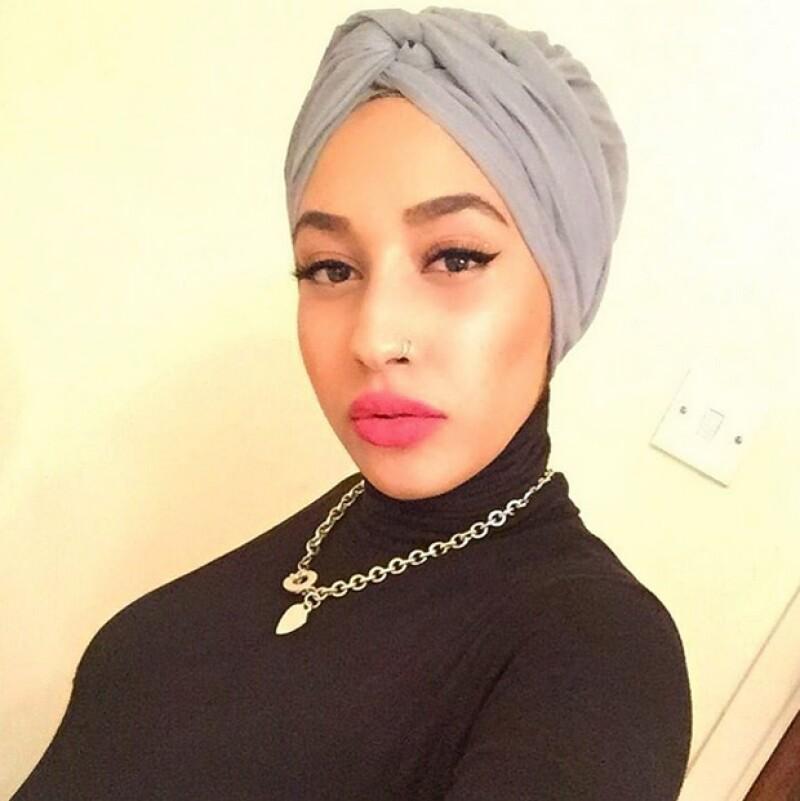 La campaña en la que aparece la musulmana busca promover el reciclar la ropa.