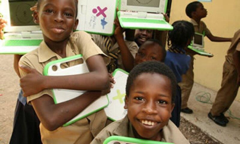 Una computadora de OLPC tiene un costo de 209 dólares, alrededor de 2,400 pesos. (Foto: Cortesía OLPC)