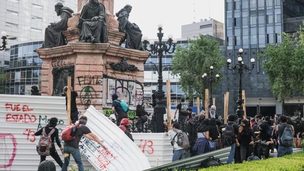 Marcha por los 43 desparecidos de la Normal de Ayotzinapa