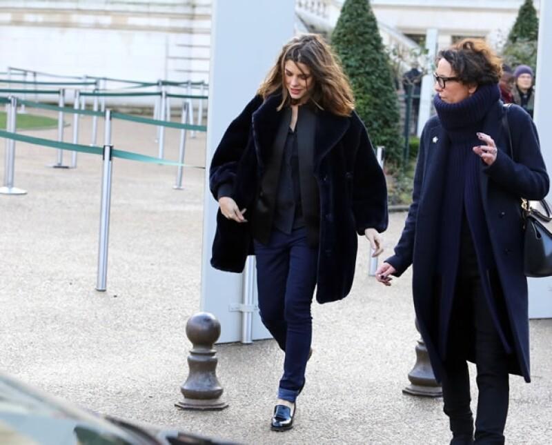 Carlota fue con amigos a la exposición de Cartier en el Grand Palais de París.