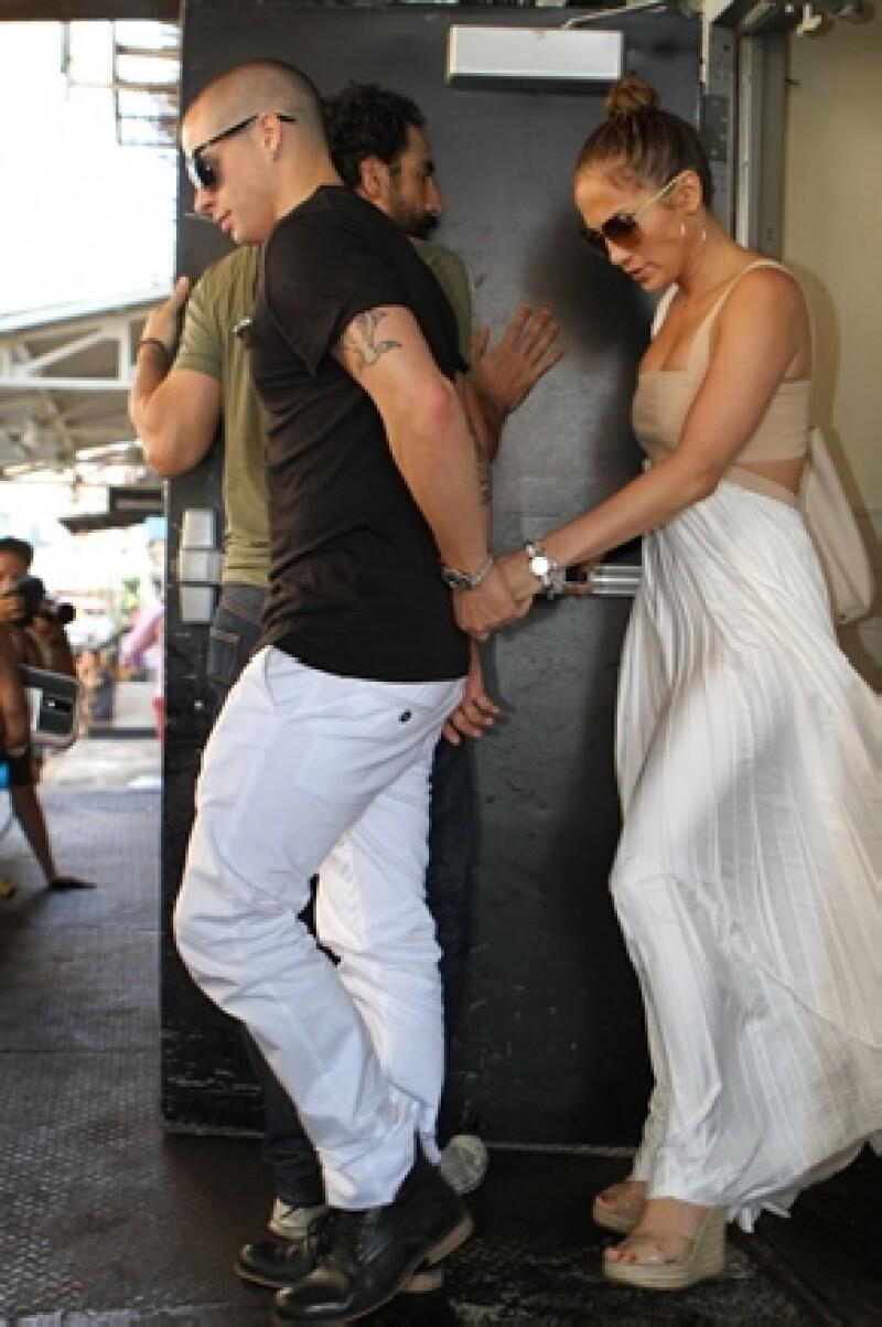 La cantante ya es madre de gemelos por su matrimonio con Marc Anthony pero ha dicho que le gustaría embarazarse de su novio, Casper Smart.