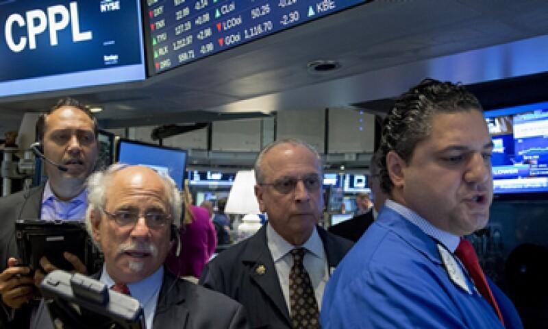 El Nasdaq bajaba 0.88% este jueves. (Foto: Reuters)