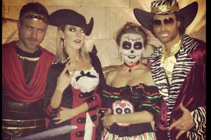 Tanto mexicanos como extranjeros lucieron disfraces y maquillajes propios y parecidos a los  de este enigmático personaje. Aquí los mejores.