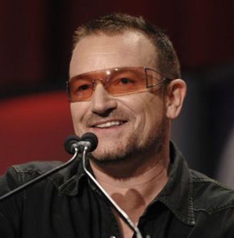 El vocalista de U2 dijo que las elecciones son una gran oportunidad para mejorar la imagen del país.