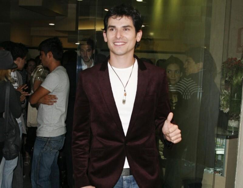El actor protagonizará la obra musical I Love Romeo And Julieta junto a Eiza González.