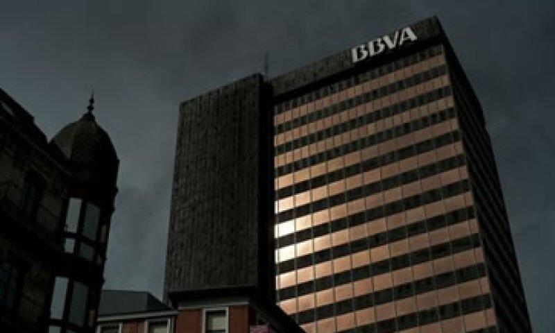 La presión sobre la banca española aumentó luego de que Moody's rebajara a 16 entidades. (Foto: Reuters)