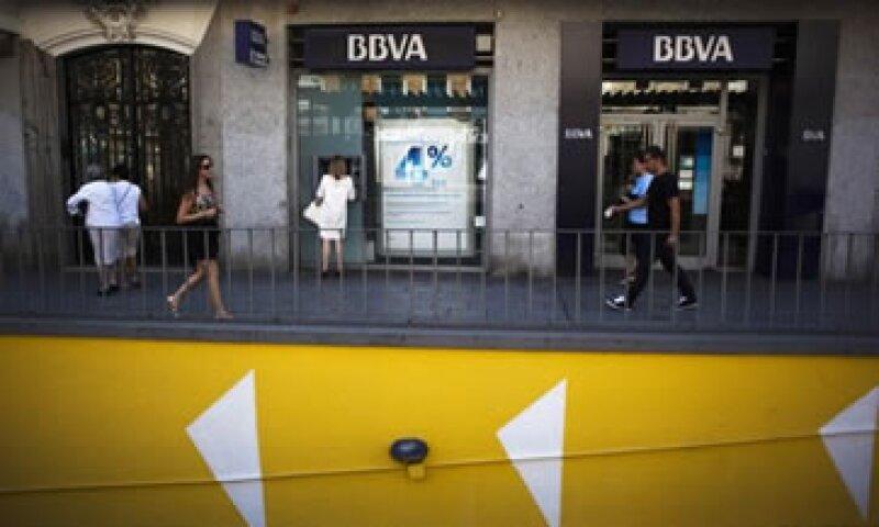 La banca sufrió en mayo una nueva baja en los depósitos. (Foto: Reuters)