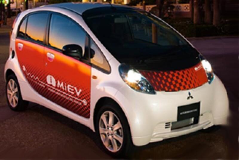 La firma japonesa terminó su propuesta ecológica: un eléctrico sin tanque de gasolina. (Foto: www.conduciendo.com)