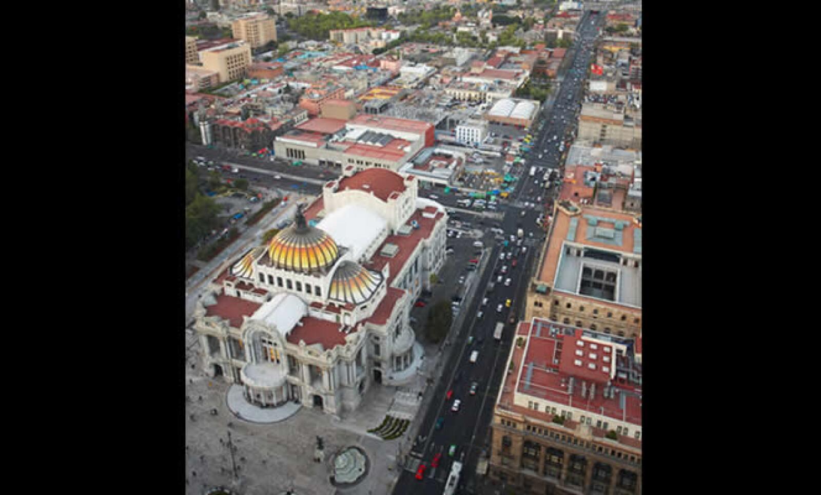 """El edificio fue finalmente inaugurado el 20 de septiembre de 1934. Ha tenido obras de talla mundial como """"La Mulata de Córdoba"""" de Xavier Villaurrutia y """"La mujer y su sombra"""" de Paul Claudel."""