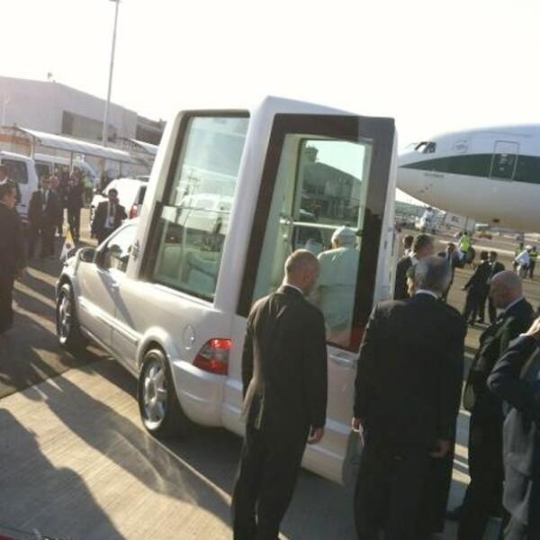 El papamóvil que llegó a México, es de última generación y ecológico, un segundo vehículo fue enviado de Veracruz a Cuba.