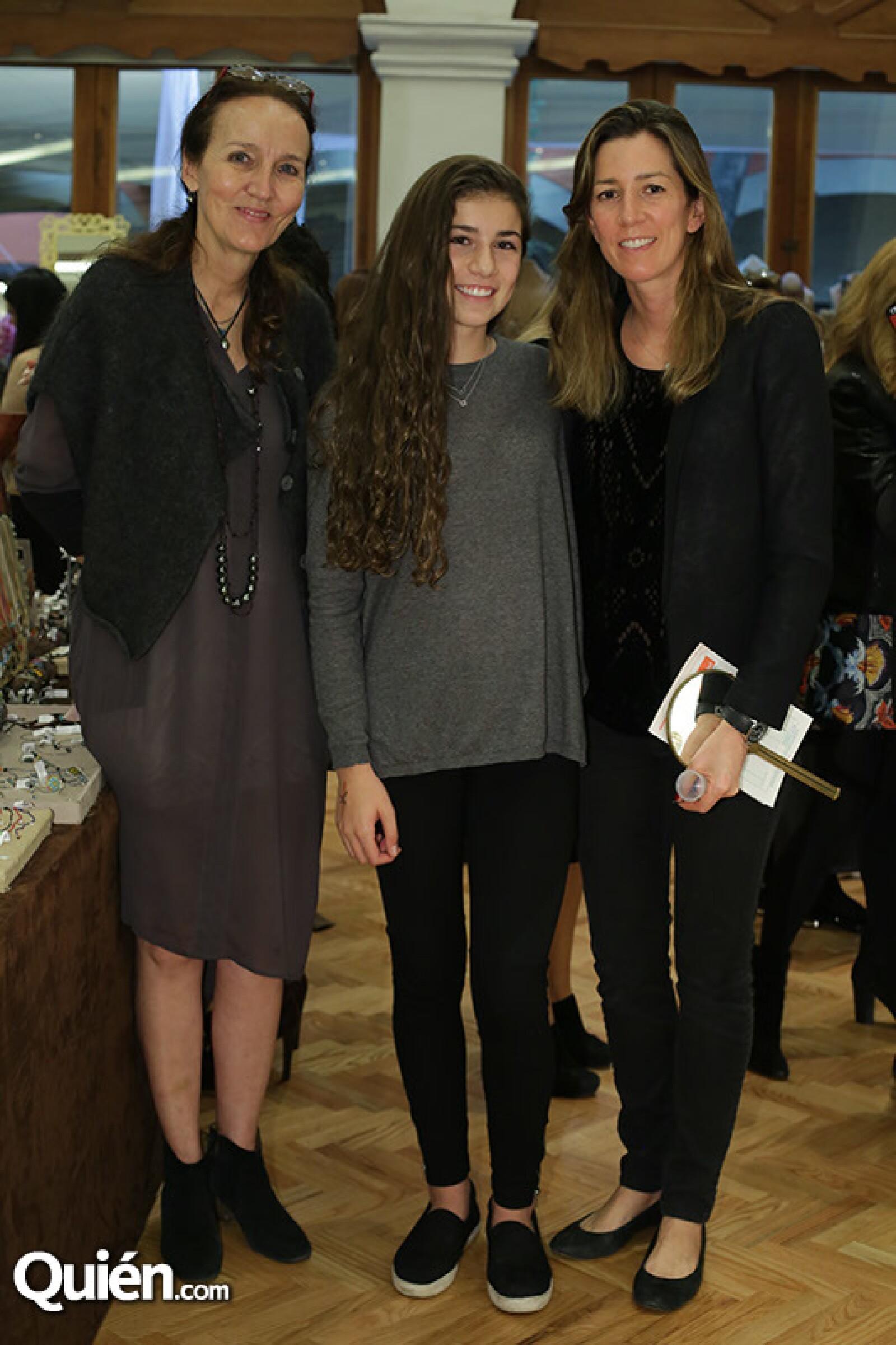 Claudia Quiroz,Laura Checa y Laura Laviada