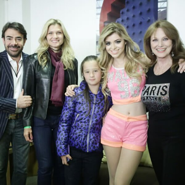 Toño Mauri, Carla Alemán, Vanessa Alemán, Carla Mauri y Christine Martell.
