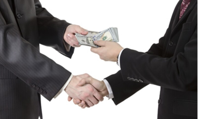 El CEESP calcula que la corrupción le cuesta al PIB un punto porcentual al año. (Foto: iStock by Getty)