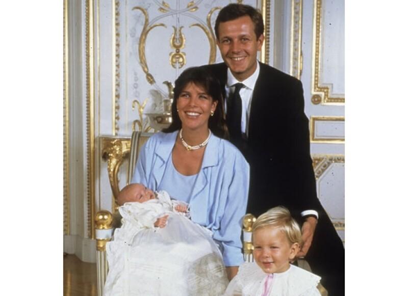 Carolina fue feliz al lado de Stefano. Aquí con sus dos primeros hijos, Andrea y Carlota.