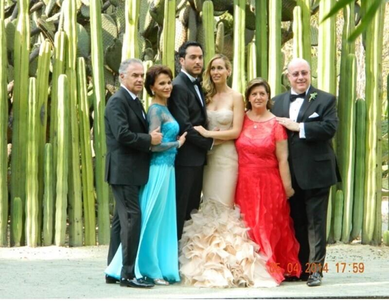 La guapa esposa de Rodrigo Dávila, vocalista de Motel, lució espectacular en su boda con la ayuda de la mejor diseñadora de bridal.