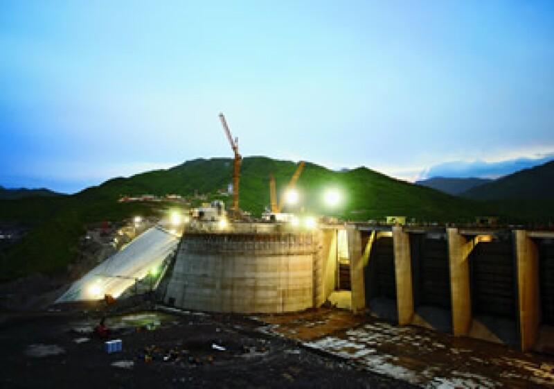 Los proyectos de hidroeléctricas no pararán: CFE (Foto: Especial)