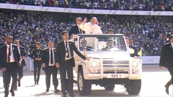 Así fue la histórica misa del papa Francisco en Emiratos Árabes Unidos