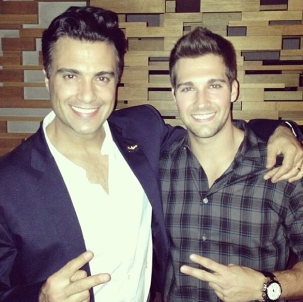 Jaime Camil y James Maslow.