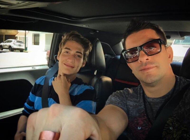 El cantante aseguró a Ventaneando que su hijo Tristán tiene problemas de adicciones, por lo que se vio obligado a internarlo en un centro de ayuda sin su consentimiento.