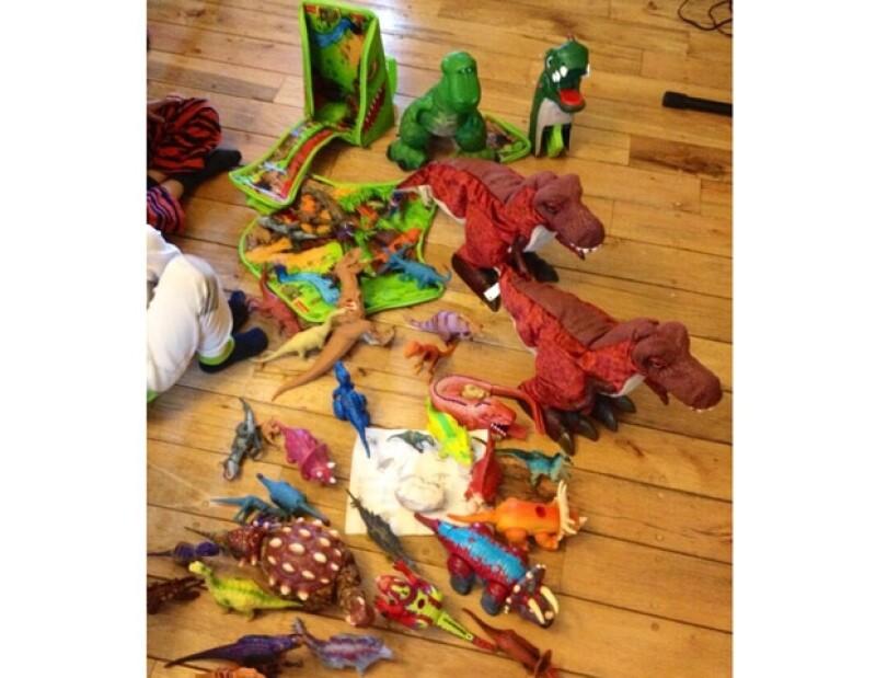 El domingo Aracely pasó la tarde jugando con sus hijos, Miguel y Daniel.