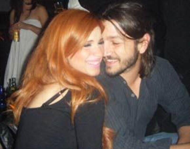 Pamela Manzur aseguró que no tiene ninguna relación con el actor, con quien se tomó unas polémicas fotos cuando lo entrevistó en Monterrey.