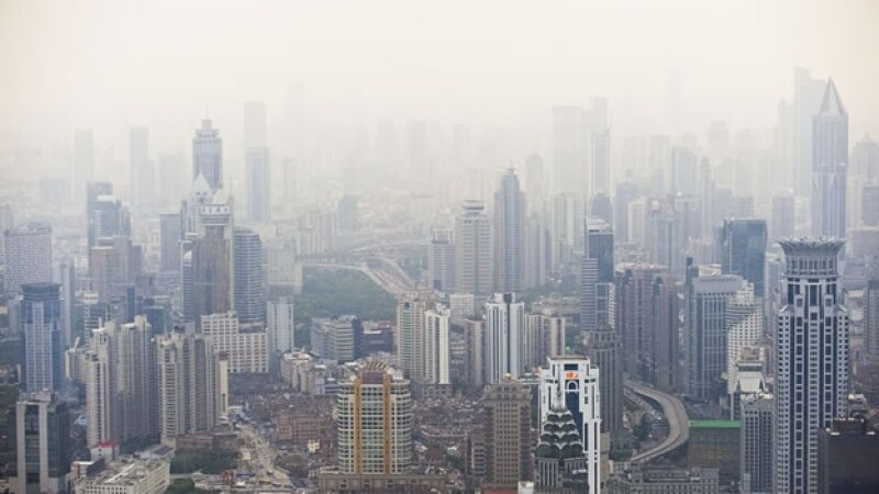 La calidad del aire en Shangai, China; la OMS dio a conocer que la contaminación aérea en las urbes del mundo es ?malsana?