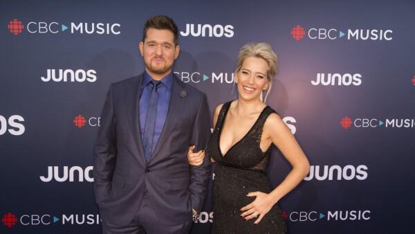 Michael Bublé y Luisana Lopilato se convertirán en padres de una niña