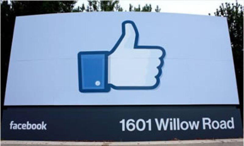 Desde sus inicios, Facebook mostró interés en ser un actor político.  (Foto: Cortesía CNNMoney)