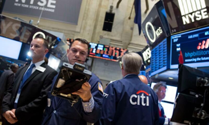 Las acciones de Apple cerraron con una ganancia de casi 3% la jornada de este miécoles.  (Foto: Reuters)