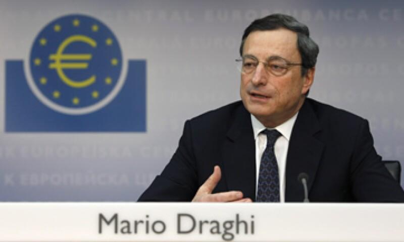 La entidad comandada por Mario Draghi mantendría su tasa de interés en niveles bajos en casi 3 años, según analistas. (Foto: Reuters)