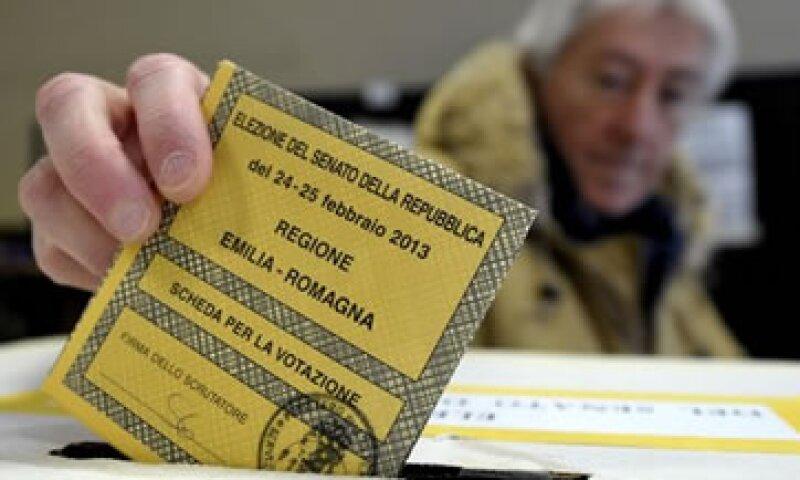 Un aliado de la canciller alemana, Angela Merkel, urgió a Italia a seguir el camino de las reformas emprendidas por el Gobierno de Mario Monti. (Foto: AP)