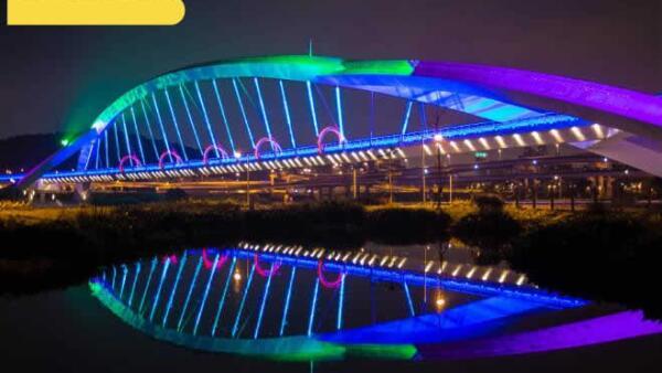 Puente iluminaci�n LED
