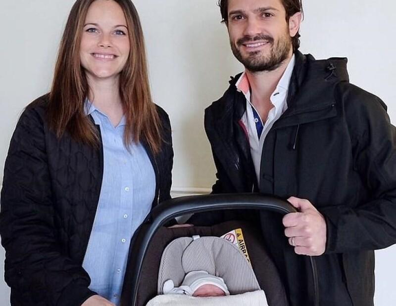 Estes es el primer bebé de la pareja y esta en el quinto lugar de sucesión al trono.