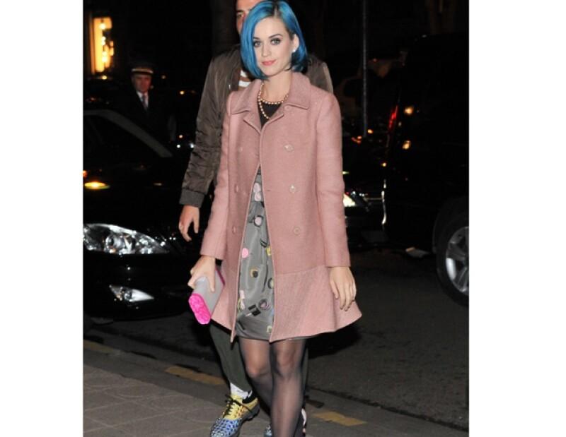 La cantante hizo tal declaración a una revista estadounidense y reveló que no tolera el acoso de la prensa internacional.