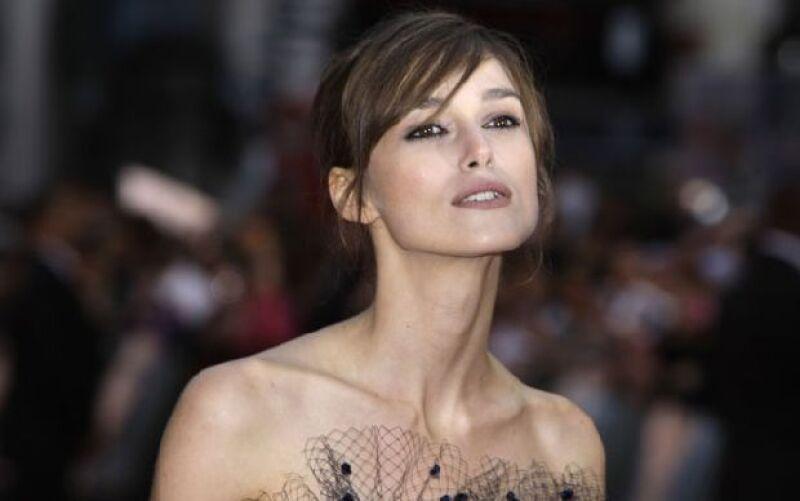 """Debido a su boca """"bonita y natural"""", la actriz británica encabezó una encuesta realizada por una firma de cosméticos, desbancando así a Angelina Jolie, quien durante años portó este título."""