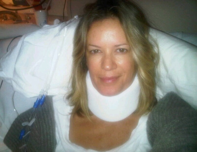Rebecca de Alba subió a su Twitter una fotografía hospitalizada.
