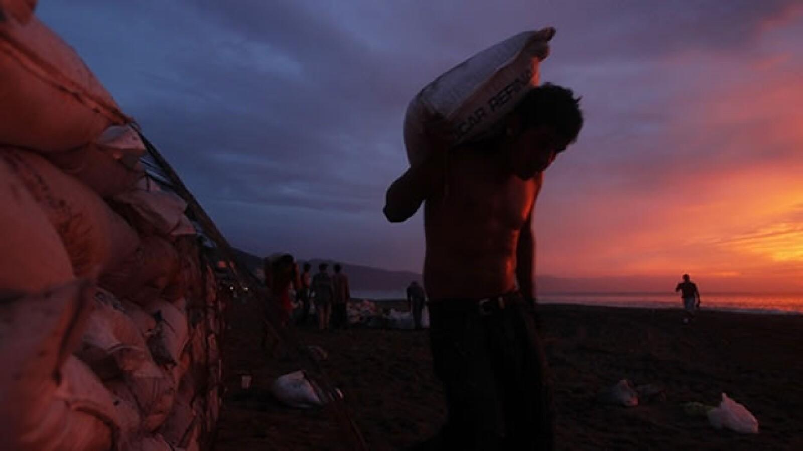 huracan, jova, playa, trabajo,