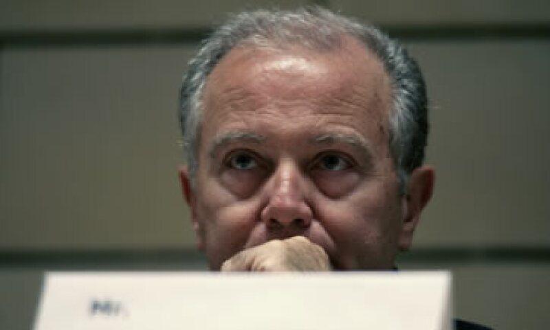 George Provopoulos indicó que el Banco de Grecia está aportando un respaldo significativo a la liquidez del sistema bancario del país. (Foto: AP)