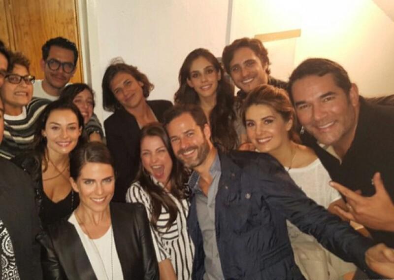 Karla Souza acudió a la obra de teatro de su amigo Manolo Caro hace unos días en la Ciudad de México.