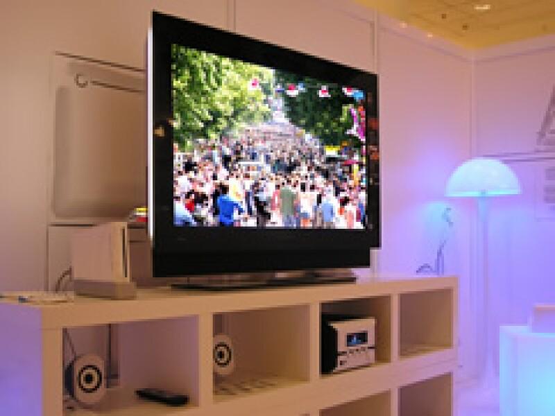 Las televisoras mexicanas, Televisa y TV Azteca, se convierten en empresas de telecomunicaciones para así obtener más ingresos y abarcar otros mercados. (Foto: Archivo)