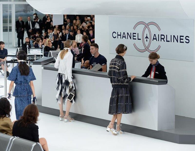 Louis Vuitton nos lleva a Palm Springs y Dior a Cannes, mientras que Chanel convirtió el Grand Palais en el cacino y el aeropuerto más chic de la historia. Conoce los mejores desfiles de 2015.